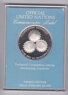 Medaille En Argent  Nations Unie 1978 Coopération Technique Entre Pays , Dans Sa Boite. - Professionnels / De Société