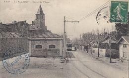 13 - Allauch - Entrée Du Village Animée - ( Tram ) - Allauch