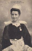 29 - Costume Bretons - Jeune Fille En Costume De Fête - Costumes