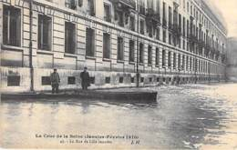 75 - PARIS 07 ° INONDATIONS De PARIS ( Janvier 1910 ) Crue De La Seine - La Rue De Lille Inondé - CPA - Seine - De Overstroming Van 1910