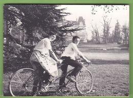 Faire Part De Mariage Avec Futur Mariés Sur Un Tandem Bicyclette Vélo 69 Sainte Foy Lès Lyon 69 - Boda