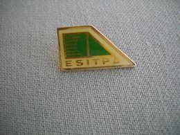 1676 Pin's Pins        ESITPA    Ecole Ingénieur Agriculture - Administraties