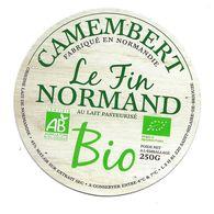 ETIQUETTE De FROMAGE Cartonnée..CAMEMBERT BIO Fabriqué En NORMANDIE..Le Fin Normand..LSH à SAINT HILAIRE De BRIOUZE (61) - Quesos