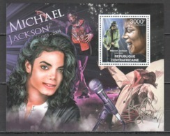 CA861 2012 CENTRAL AFRICA CENTRAFRICAINE FAMOUS PEOPLE MICHAEL JACKSON 1BL MNH - Singers