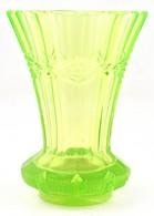 Urán Zöld Pohár. Formába öntött, Minimális Csorbával M: 13,5 Cm - Vidrio & Cristal