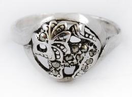 Ezüst(Ag) Oroszlános Gyűrű, Markazit Kövekkel, Jelzett, Méret: 55, Bruttó: 2,4 G - Bijoux & Horlogerie
