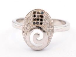 Ezüst(Ag) Ovális Gyűrű, Jelzett, Méret: 57, Bruttó: 3,96 G - Bijoux & Horlogerie