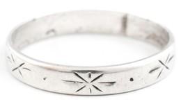 Ezüst(Ag) Gyűrű Csillagszerű Mintával, Jelzett, Méret: 57, Bruttó: 1,7 G - Bijoux & Horlogerie