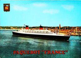 Paquebot  - S/S FRANCE  - Au Large Le Havre 1970s (trace De Pli Haut De Carte) - Paquebots