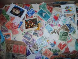Mic 1 - Milliers Timbres Monde Décollés Et Sur Fragments A Trier - 1Kg - Briefmarken