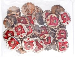 """30db-os """"Szocialista Brigád"""" Jelvény Tétel, Aranyozott Koszorú (16mm) T:1-,2 - Monnaies & Billets"""