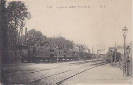 HAUTE MARNE - 3038 - En Gare De SAINT DIZIER    (  - Arrivée D'un Train ) - Saint Dizier