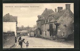 CPA Pontmain, Maison Des Chapelains, Rue De La Gare - Pontmain