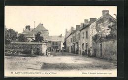 CPA Saint-Ouen-des-Toits, Rue D`Ollivet, Vue De La Rue - Francia