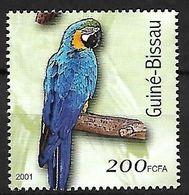 Guinea Bissau - MNH 2001 -     Blue-and-yellow Macaw  -  Ara Ararauna - Pappagalli & Tropicali