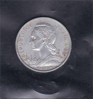 Pièce De Monnaie REUNION - République Française De 5 Fs De 1973 - Arguse Monnaies Du Monde De J.L. THIMONIER (A Voir) - Réunion