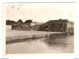 PHOTO ORIGINALE 13 X 18 Cm 1907 - CHATEAU DE VERSAILLES LES GRANDS ESCALIERS LES 100 MARCHES ORANGERIE - Lugares
