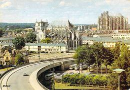 60 - Beauvais - Vue Panoramique : L'Eglise Saint Etienne, Les Tours De L'ancien Evêché Et La Cathédrale Saint Pierre - Beauvais