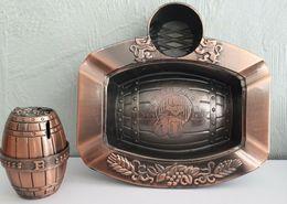 * RARE * Briquet + Cendrier Rechargeable, Forme De Bière En Métal  Bronze Année 1998 Neuf - Metal