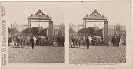 Yvelines : VERSAILLES : Grille De La Cour D'Honneur :  Avec Militaires - ( Photo Stéréoscopique ) - Vues De France - - Stereoscopic