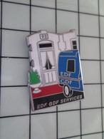 1220 Pin's Pins / Beau Et Rare / THEME : EDF GDF / EDF GDF SERVICES 1992 - EDF GDF