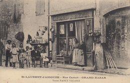 30 - St-Laurent-d'Aigouze - Rue Carnot - Grand Bazar - Veuve Nancy Vacassy - Une Bien Belle Famille En Pose - Other Municipalities