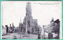 10 - MEZIERES - L'EGLISE ET LES MAISONS ENVIRONNANTES AU LENDEMAIN DU BOMBARDEMENT - Charleville