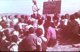 DIAPOSITIVE AFRIQUE TRADITIONNELLE ZOULOU ET XHOSAS Ecole En ZOULOULAND - Diapositives