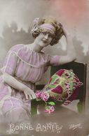 FEMME ANNEES FOLLES 1921 - Femmes
