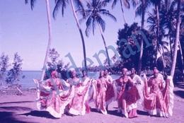35mm DIAPOSITIVE SLIDE PHOTO 60s BLACK AFRICAN ETNIC GIRLS DANCING HAITI A15 - Diapositives (slides)