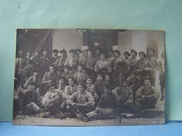 MILITARIA. 9°REGIMENT DE CHASSEURS?. CASTRES ?. TARN.  CARTE-PHOTO. 101_9942GRT. - Regiments