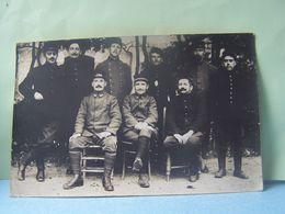 MILITARIA. 132° ET 11°REGIMENTS D ??? GROUPE DE MILITAIRES. CARTE-PHOTO. 101_9947GRT. - Regiments