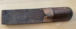 Porte-fourreau Grec En Cuir Pour Baïonnette N°4 (clou) - Armes Blanches