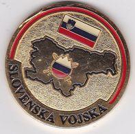 SLOVENIA  --  SLOVENSKA VOJSKA  --  ARMY OF SLOVENIA  --  MEDAL  --  ENAMEL, EMAIL - Médailles & Décorations