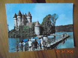 Chateau De Val Et Sa Passerelle Dans La Commune De Lanobre Situe Sur Le Lac Du Barrage De Bort. Sully 218 PM 1966 - Otros Municipios