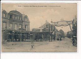 VIRE : Souvenir Des Fêtes Du 12 Juillet 1908, L'Avenue De Neuville - Très Bon état - Vire