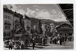 - CPSM ZERMATT (Suisse) - Réception Des Hôtels à La Gare (belle Animation) - Edition MARCEL ROUGE 3616 - - VS Valais