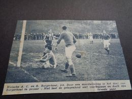 "Origineel Knipsel ( 5193 ) Uit Tijdschrift "" Zondagsvriend ""  1936 :  Voetbal  R. Borgerhout - Vieux Papiers"