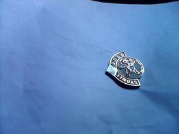 PIN S PINS LUTTE LUTTEUR CLUB WRESTLING JEUX OLYMPIQUES USA SYDNEY 2000 - Lutte