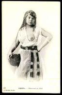 ALGERIE -  Femme Aux Seins Nus - La Danceuse Du Sud. (Ed. J. Geiser Nº 422) Carte Postale - Afrique Du Nord (Maghreb)