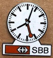 HORLOGE CFF SBB FFS - CHEMIN DE FER SUISSE - UHR - OROLOGIO - SVIZZERA - SCHWEIZ - TRAIN - CLOCK - RELOJ -  (JAUNE) - Transportes