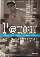 """D2218 CARTE AFFICHE - FILM """"L'@MOUR EST A RÉINVENTER"""" - 10 HISTOIRES D'AMOUR AU TEMPS DU SIDA - SORTIE EN 1997 - Affiches Sur Carte"""