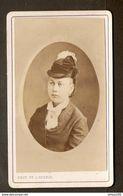 PHOTO FIN XIX ème SIECLE STUDIO NOIRET 52 Rue DAGUERRE PARIS - FEMME En MEDAILLON CHAPEAU MODE - Antiche (ante 1900)