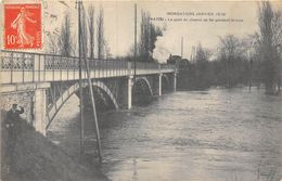 78-CHATOU- INONDATIONS JANVIER 1910, LE PONT DU CHEMIN DE FER PENDANT LA CRUE - Chatou