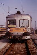Photo Diapo Diapositive Slide Train Wagon Rame Banlieue SNCF Z 6009 De Face à Joncherolles Le 01/02/92 VOIR ZOOM - Diapositives