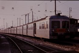 Photo Diapo Diapositive Slide Train Wagon Rame Banlieue SNCF Z  6006 à Joncherolles Le 01/02/92 VOIR ZOOM - Diapositives