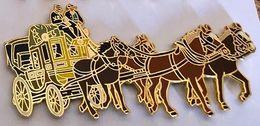 DILIGENCE - 4 CHEVAUX - PFERDE - CAVALLI - HORSES - CABALLOS - UN BRUN FONCE ET CLAIR DEVANT - EGF - (26) - Transportes