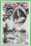 FLORENCE Dans Médaillon, Couple De Cygnes  Par REUTLINGER - Artisti
