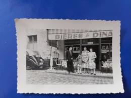 FAMILLE DEVANT UN CAFE BIERES DE DINANT PHOTO 10CM/7CM - Lieux