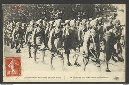 C.P.-- OF WAR -- FRANCE--Les Hindous En Route Pour Le Front--start 1e - Francia